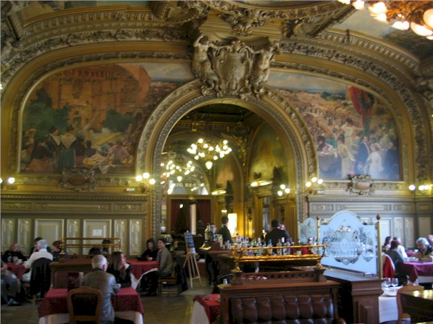 France restaurants - Le Train Bleu at the Gare de Lyon - a historic landmark to wine and dine