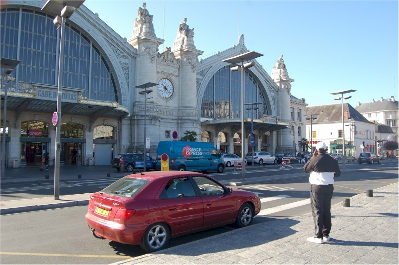 Tours-train-station