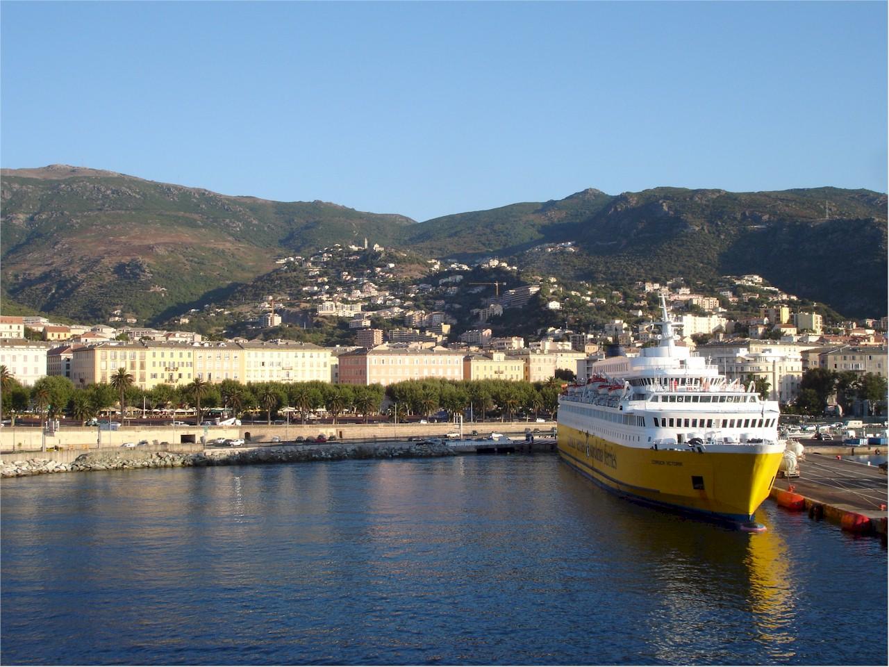 bastia ferry port bonjourlafrance helpful planning. Black Bedroom Furniture Sets. Home Design Ideas