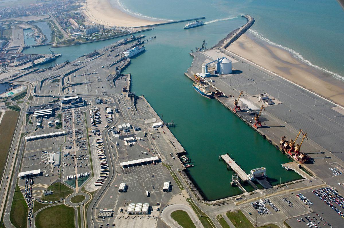 Calais-port-car-ferry-terminal
