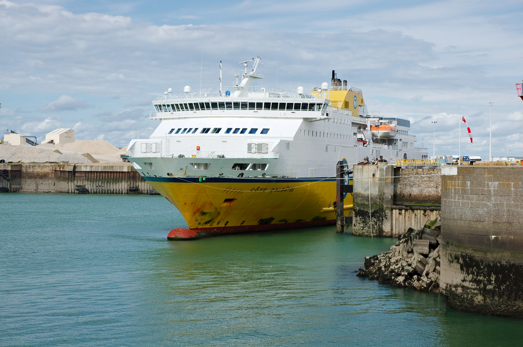 Dieppe-ferry-port-entry