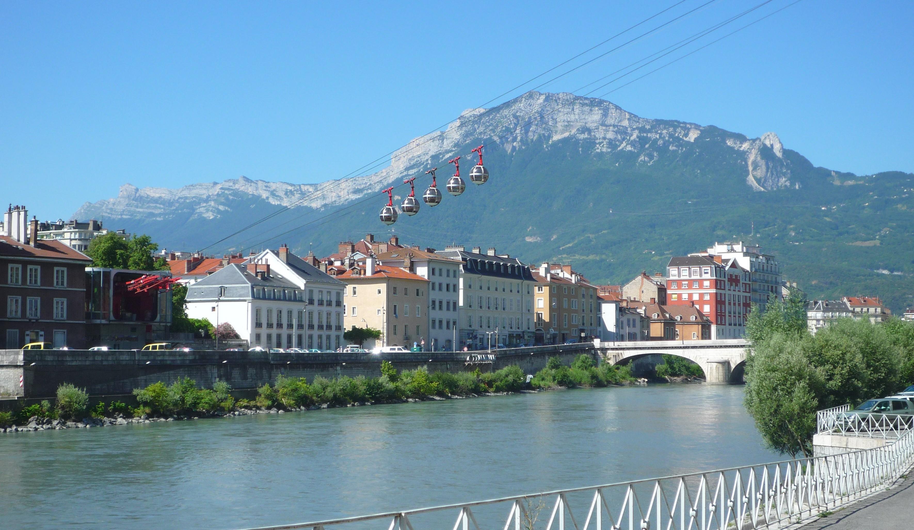 Grenoble-and-telepheric