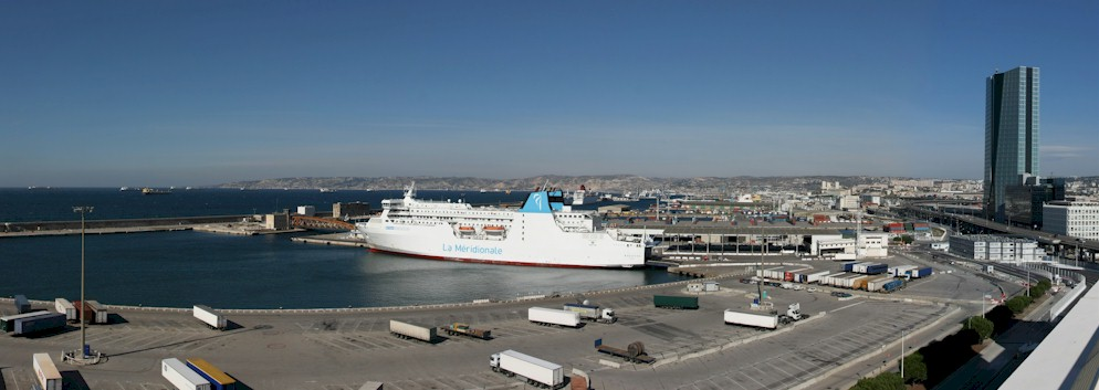 Marseille-port-ferry-terminal