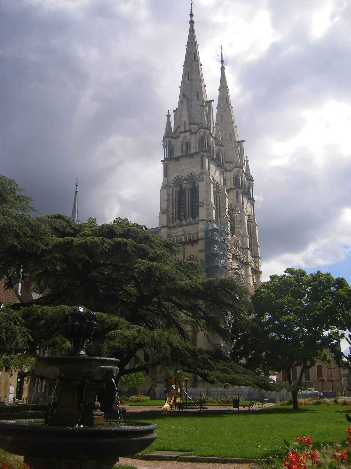 Moulins-cathedral