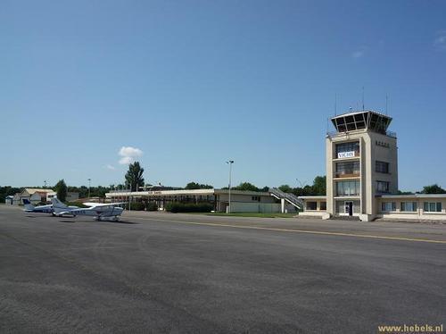Vichy-Charmeil-airport
