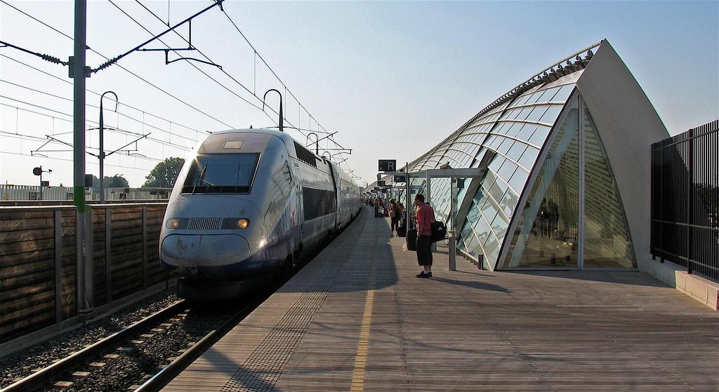 avignon-tgv-train-station