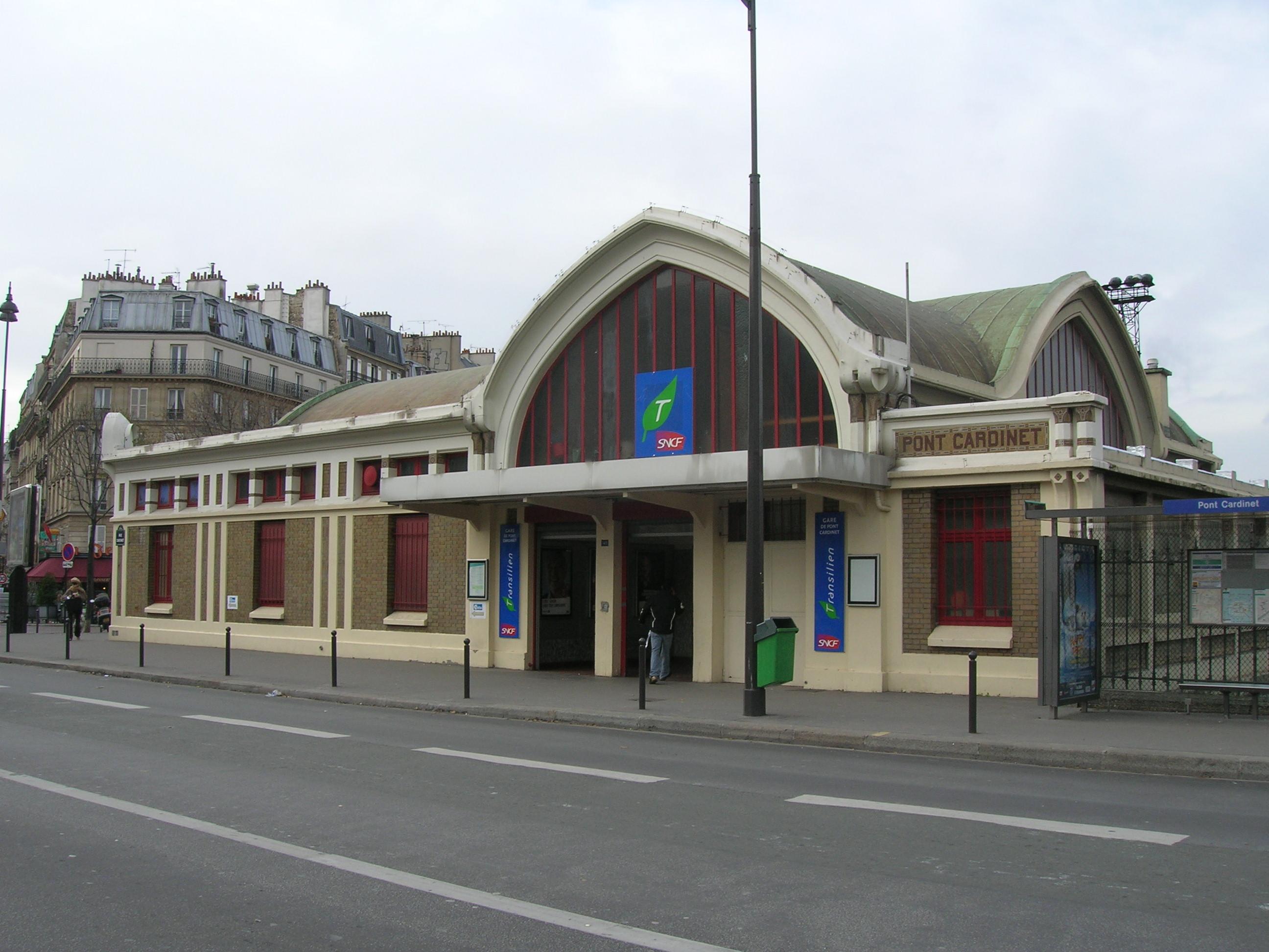 paris-gare-pont-cardinet-train-station