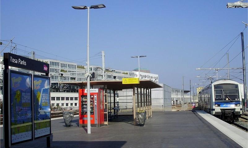 paris-gare-rosa-parks-train-station-rer-e