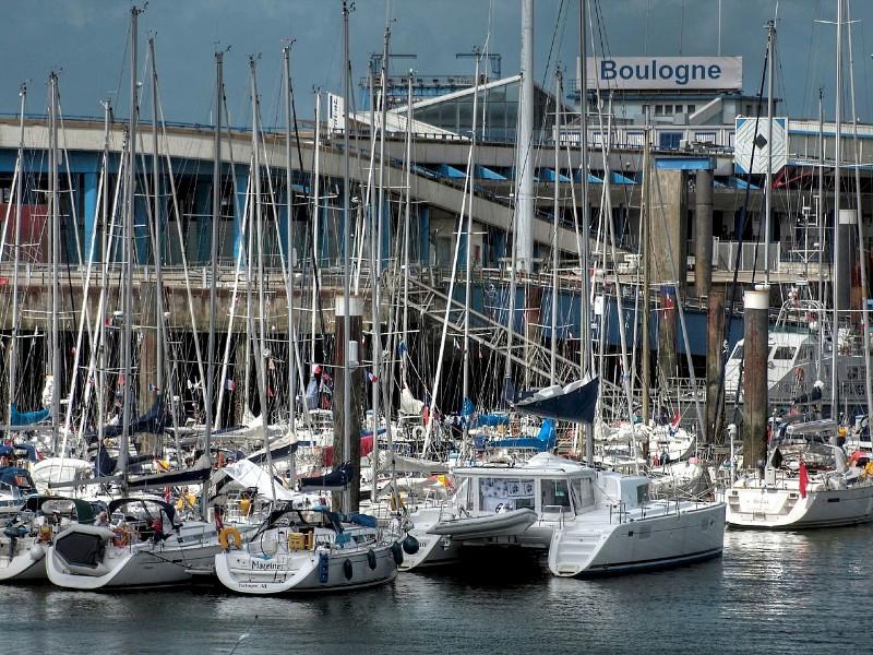 Boulogne-ferry-port