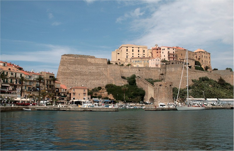 Calvi-Port-and-citadelle