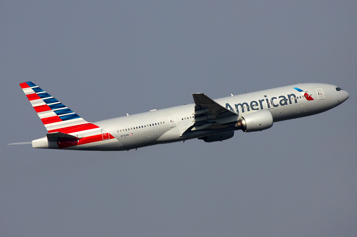 American-Airlines-Boeing-777-200