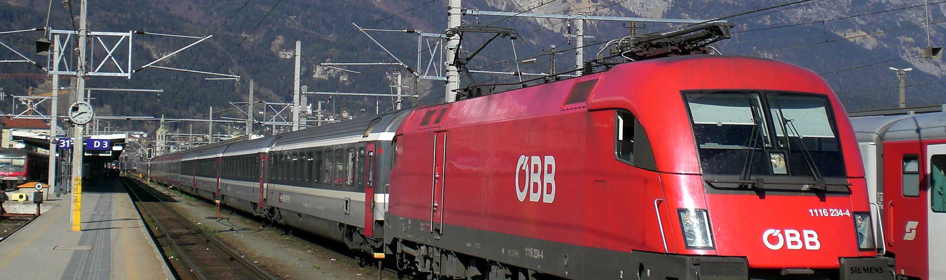 Austria-OBB-EuroCity-leaving-Innsbruck
