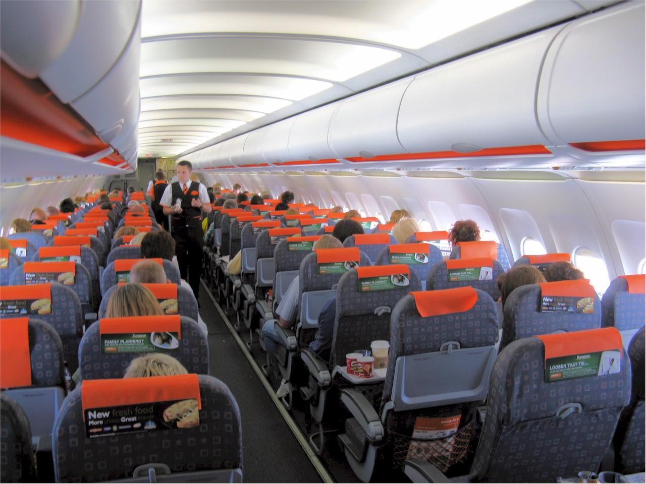 easyJet-A319-cabin