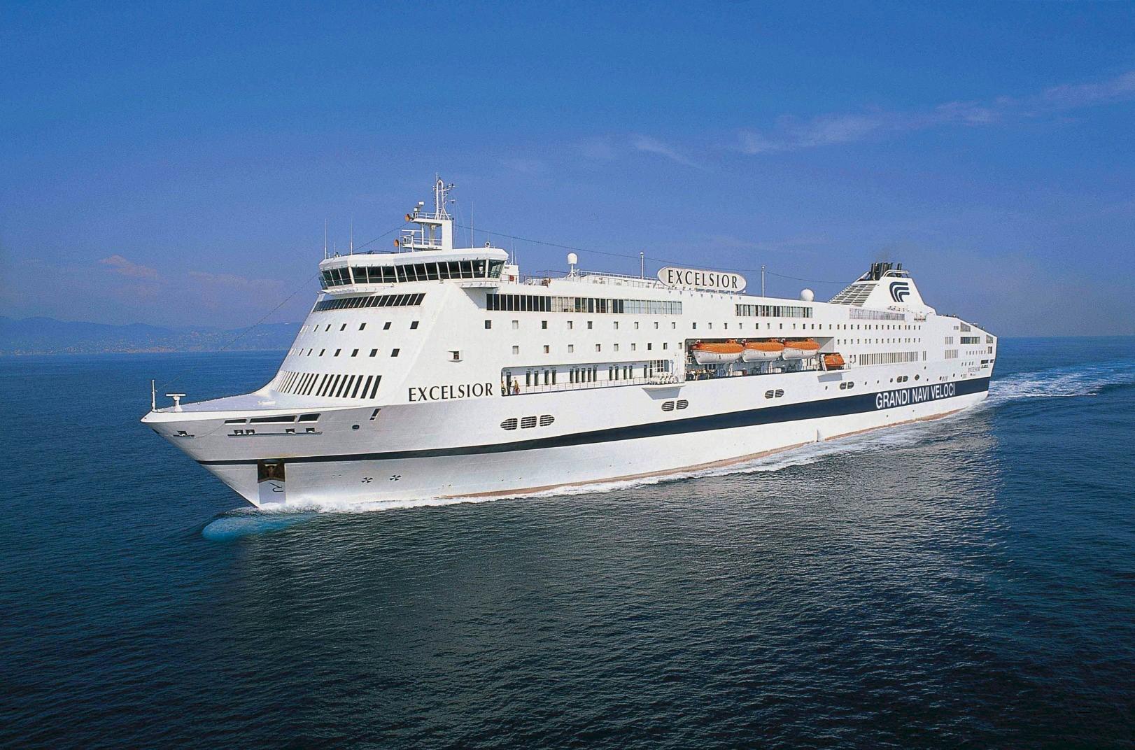 grandi-navi-feloci-excelsior-ferry-boat