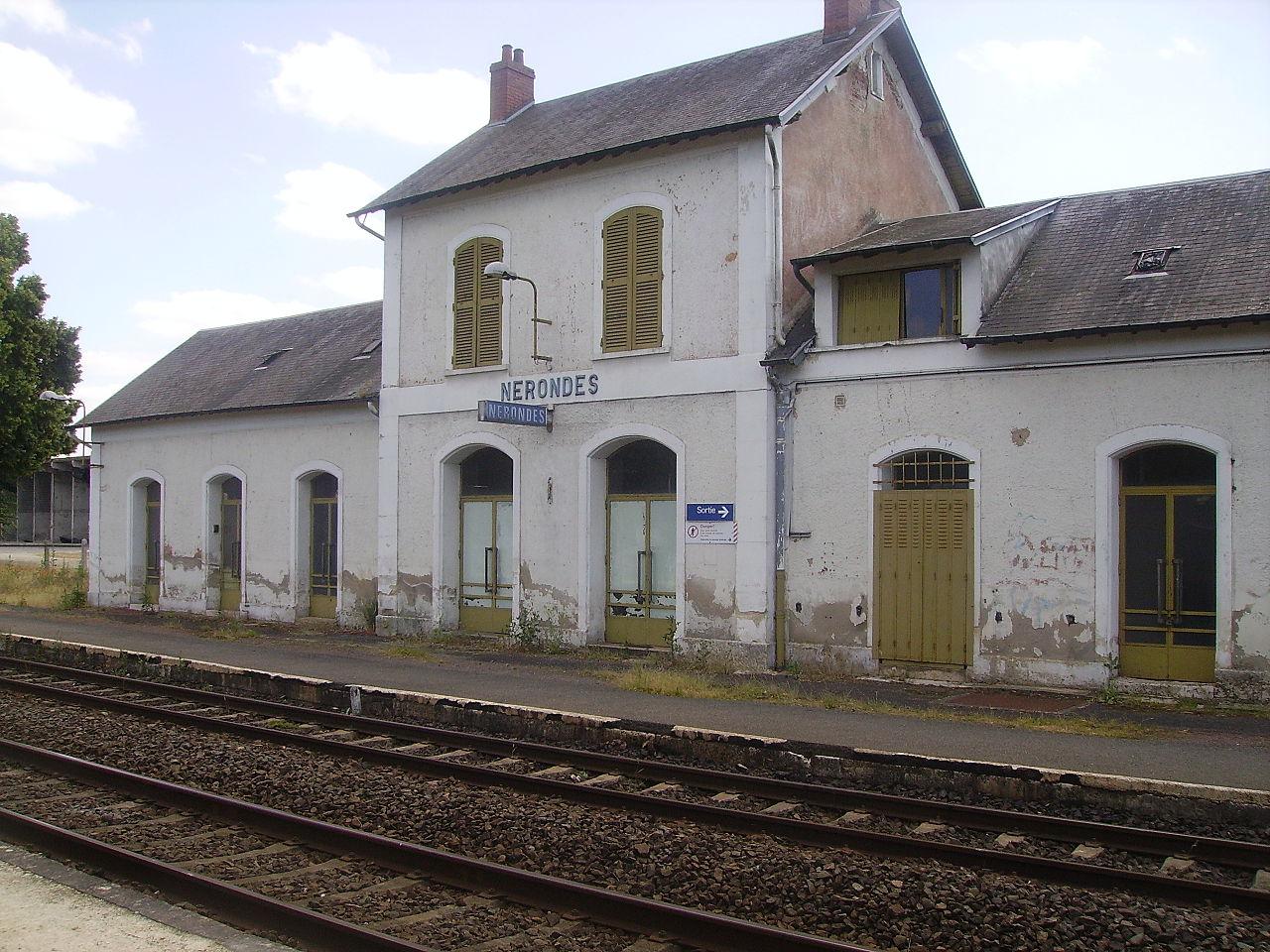 Nerondes-train-station