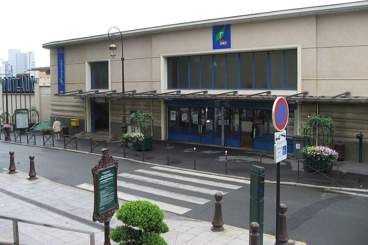 Puteaux-train-station