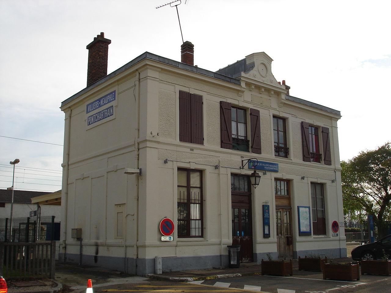 Villiers-Neauphle-Pontchartrain-train-station