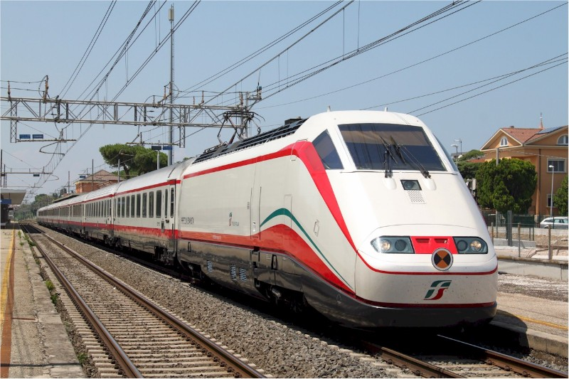 Italy-Frecciabianca-at-Cattolica-railway-station