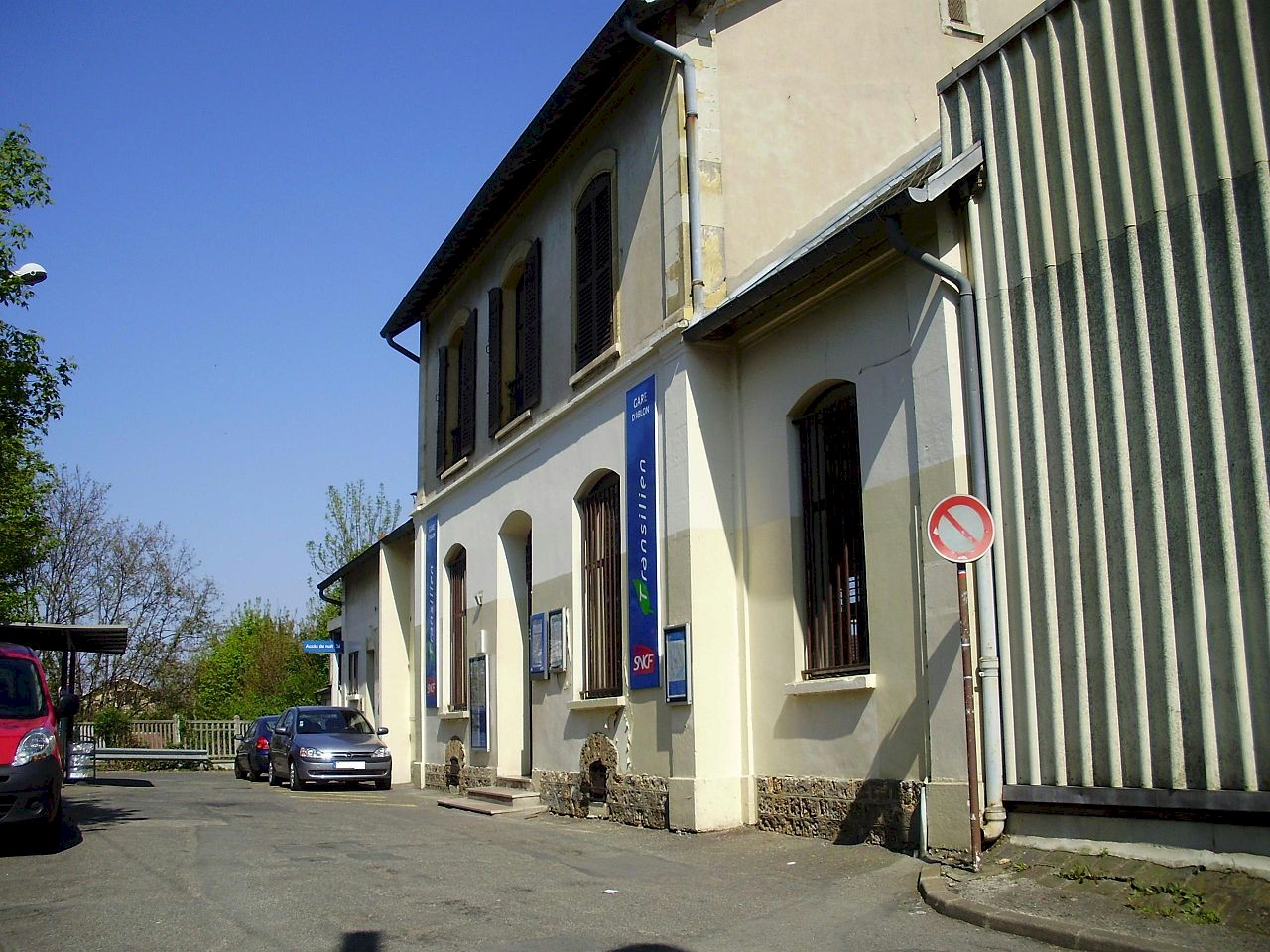 gare-d-ablon-train-station