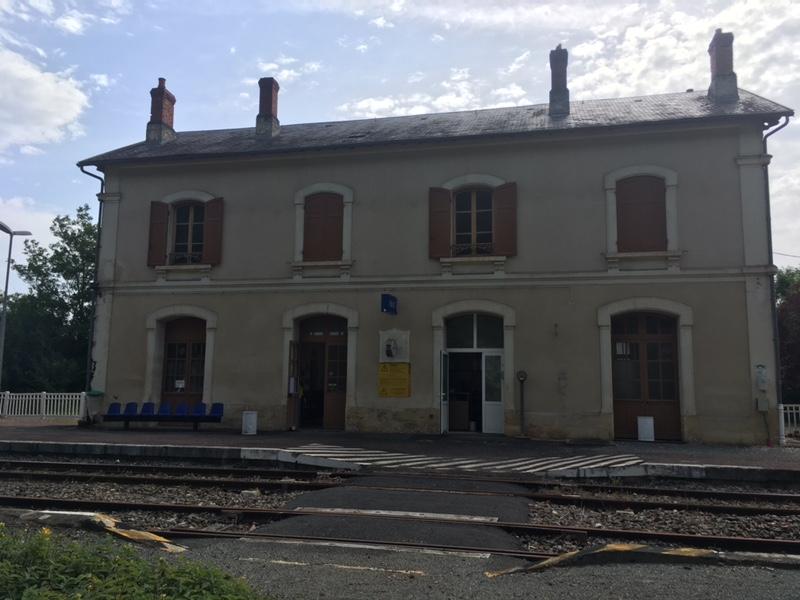 gare-de-belves-train-station