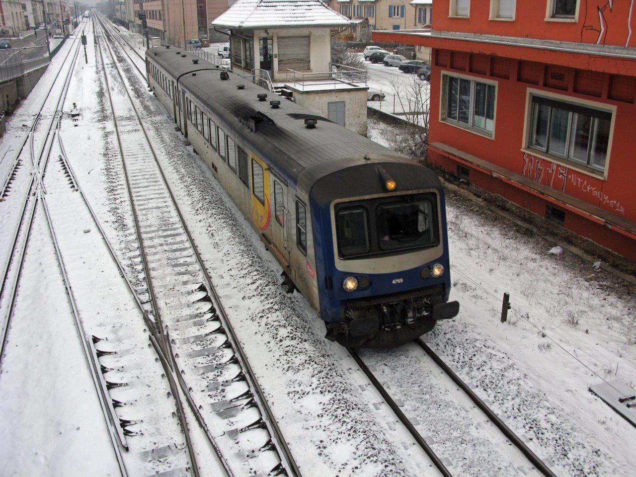 gare-des-trois-chênes-train-station