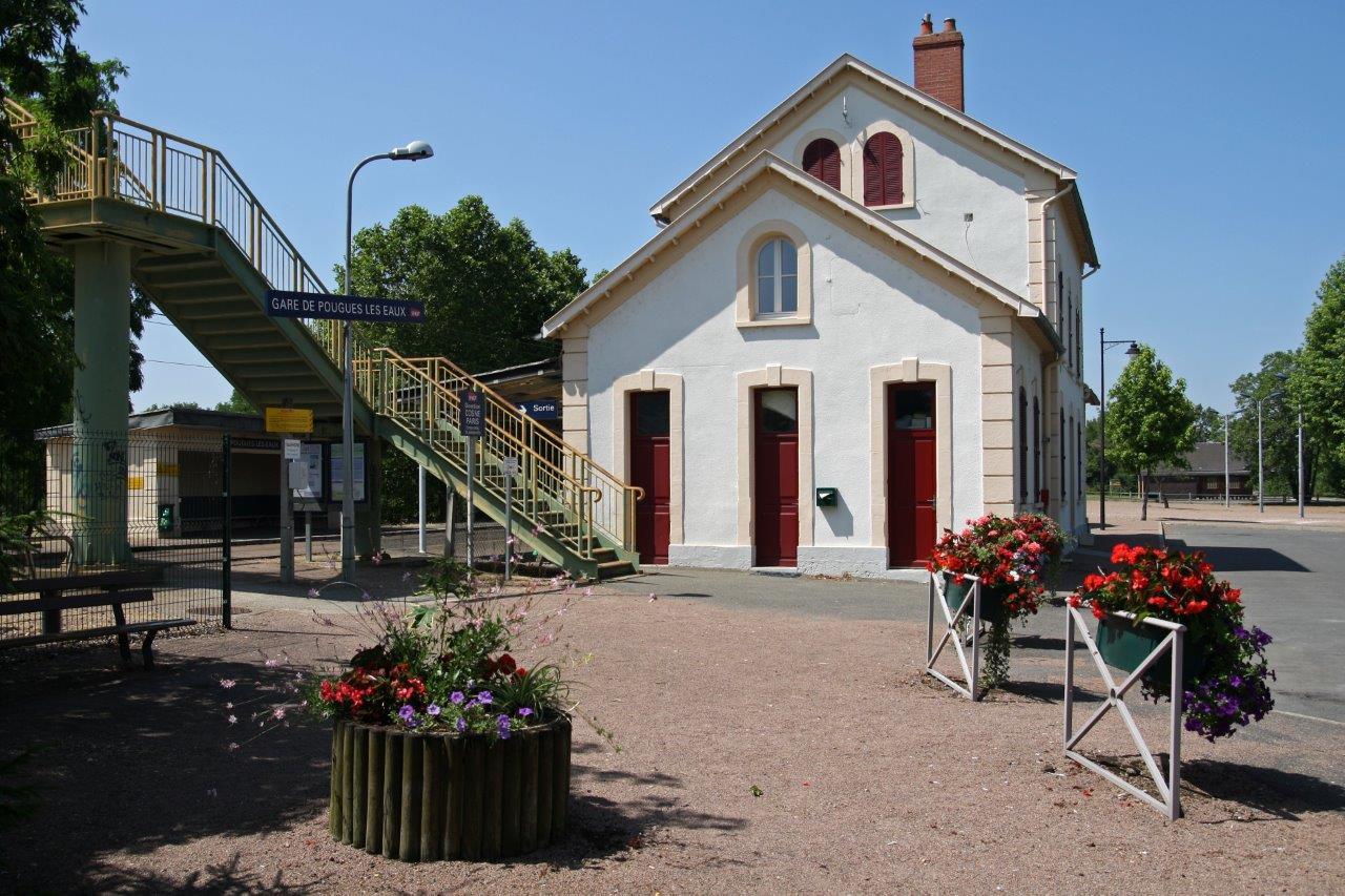 gare-de-pougues-les-eaux-train-station